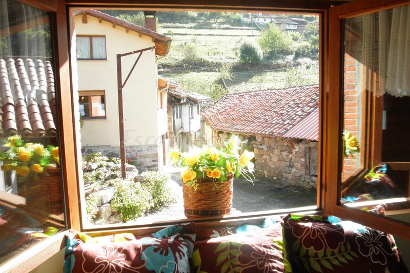 Apartamentos l arboleu casa rural en proaza asturias - Apartamentos baratos asturias ...