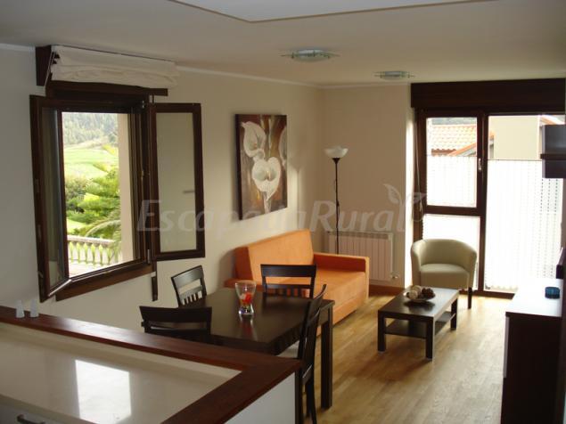 Jard n san pelayo casa rural en llanes asturias for Casa jardin asturias