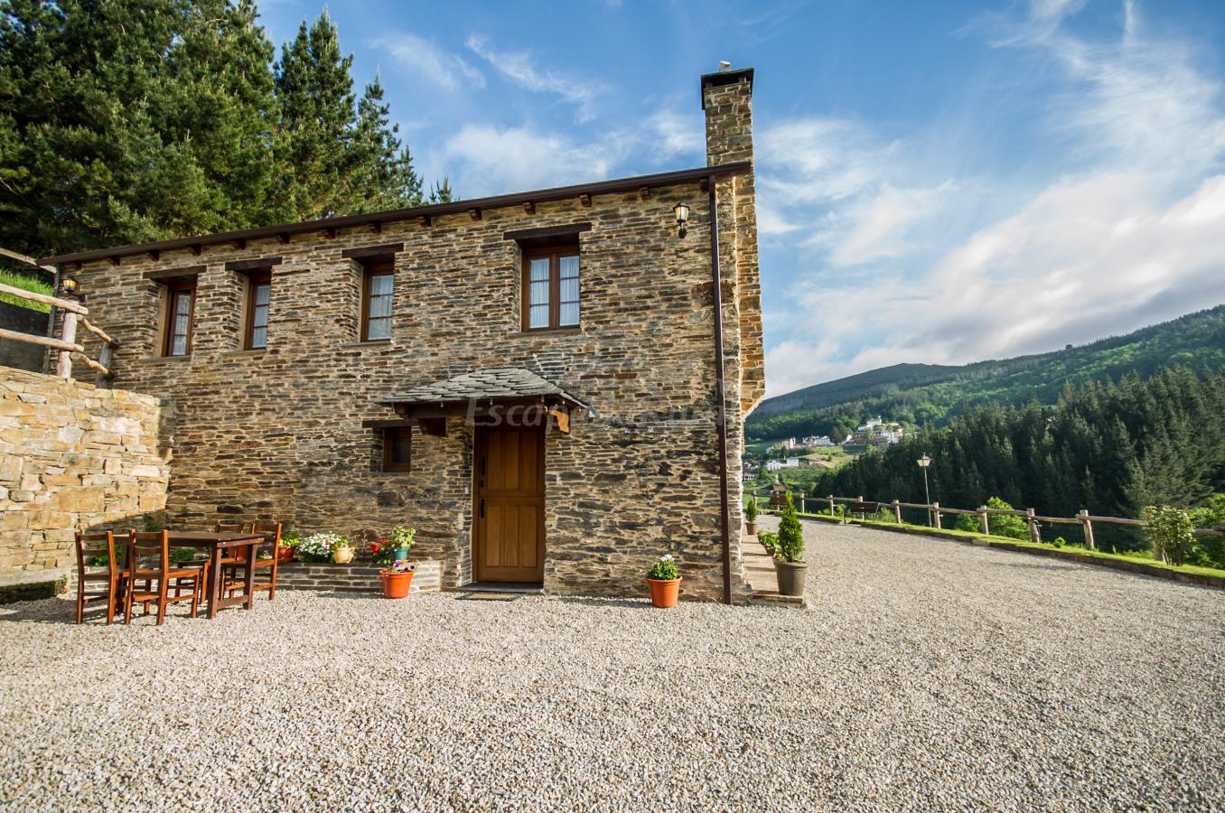 Fotos de apartamentos rurales el sualleiro casa rural en santa eulalia de oscos asturias - Apartamentos baratos asturias ...