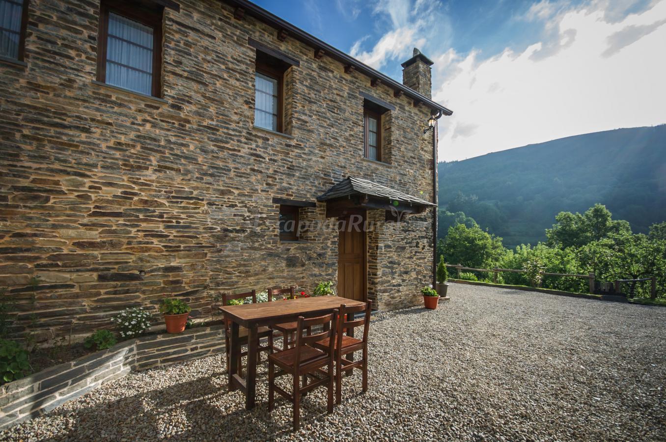 Fotos de apartamentos rurales el sualleiro casa rural en - Fotorural asturias ...