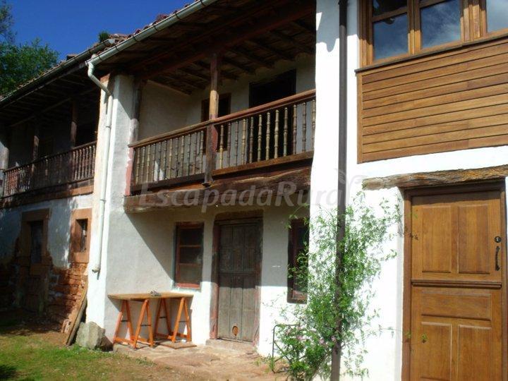 Fotos de apartamentos rurales arcenoyu casa rural en villaviciosa asturias - Apartamentos baratos asturias ...