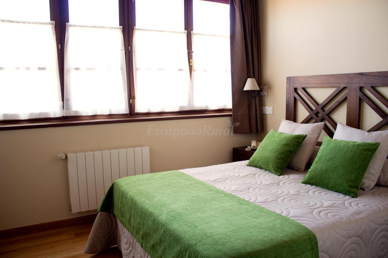 Fotos de hotel y apartamentos el camin casa rural en poo asturias - Apartamentos baratos asturias ...