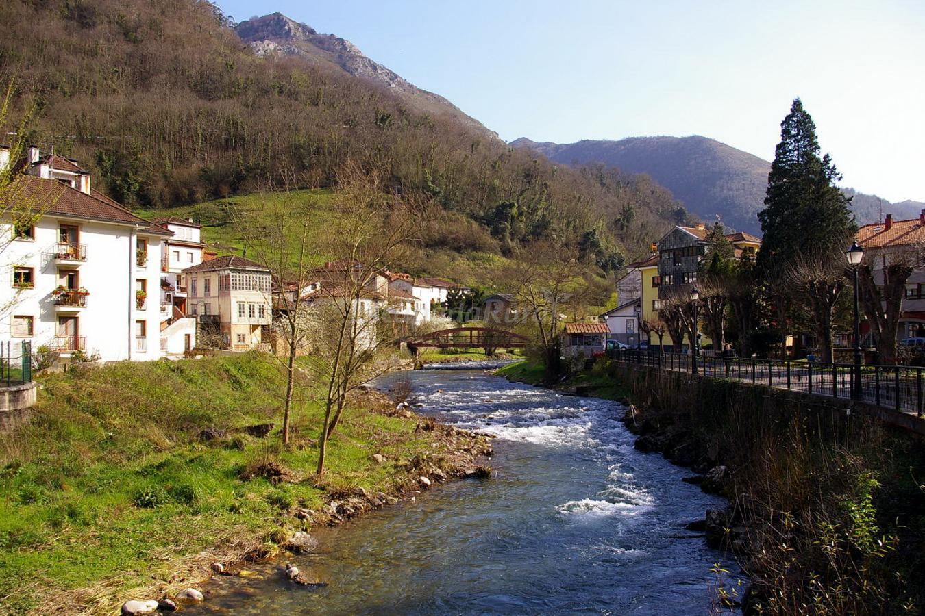 Fotos de casa rural la llerona casa rural en belmonte de - Fotorural asturias ...