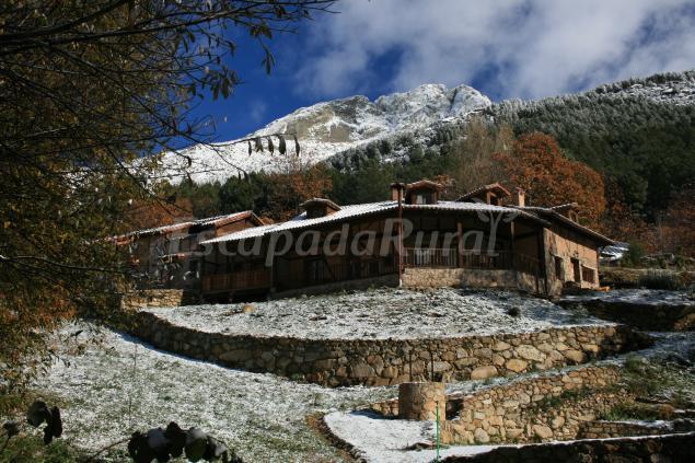 Casas rurales en villarejo del valle vila for 56 635