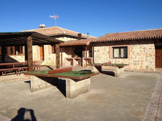 Casa grande del pantanillo casa rural en burgohondo vila - Patios rurales ...