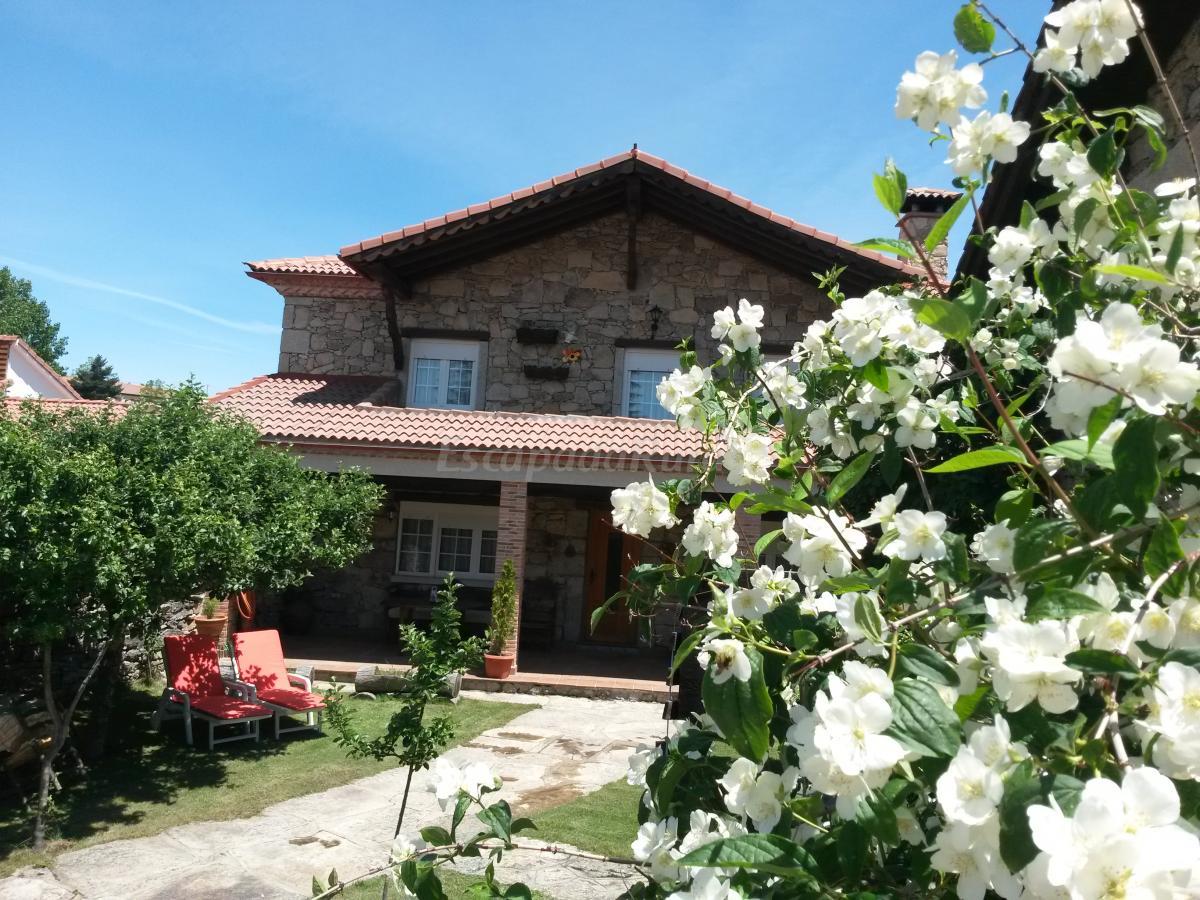 Fotos de ermita de gredos casa rural en navarredonda de for Casa rural gredos
