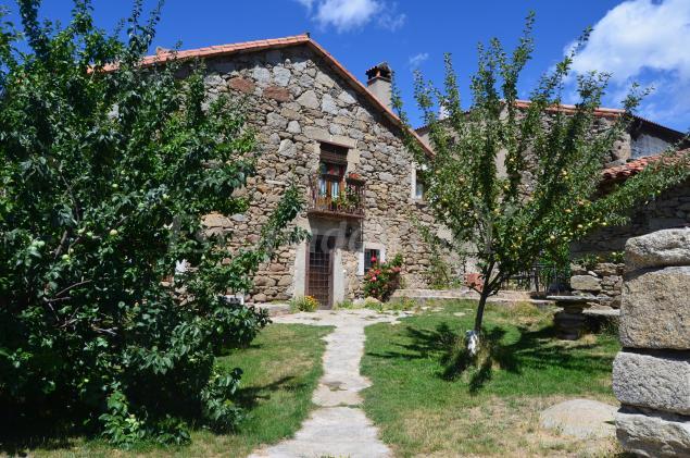 Fotos de casa almanzor y casa de piedra casa rural en - Casas rurales en avila baratas ...