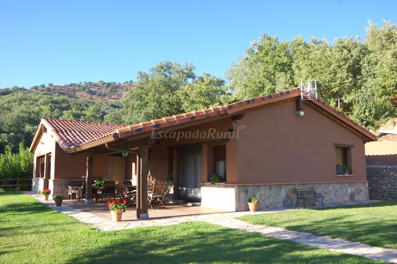 Fotos de casa rural valle de gredos casa rural en for Casa rural gredos