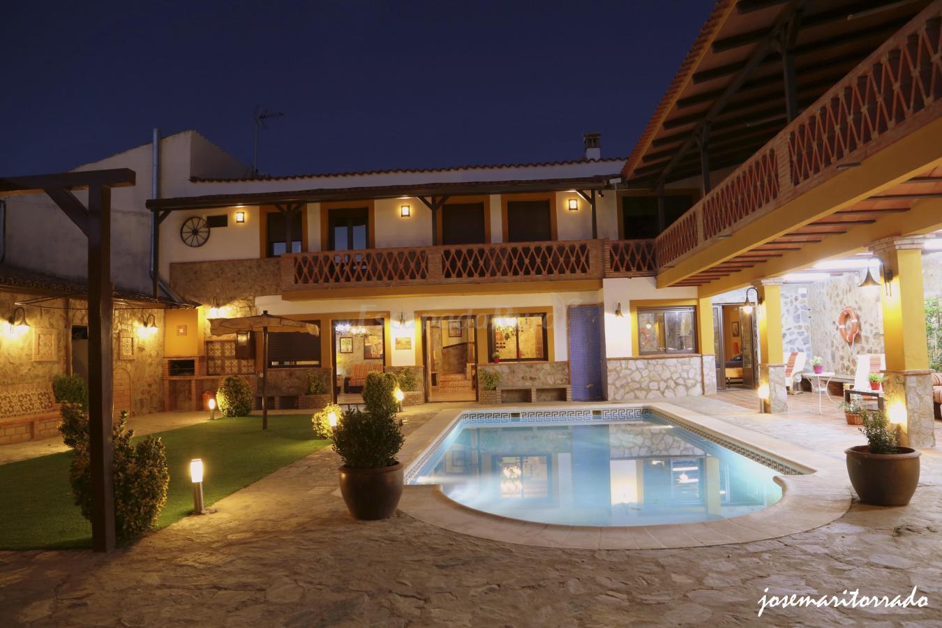 Fotos de el para so de brovales casa rural en brovales badajoz - Casa rural el paraiso ...