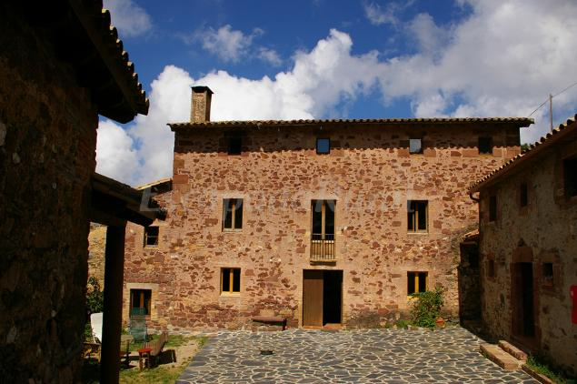 Precios de turismo rural la morera casa rural en el brull barcelona - Casas rurales bcn ...