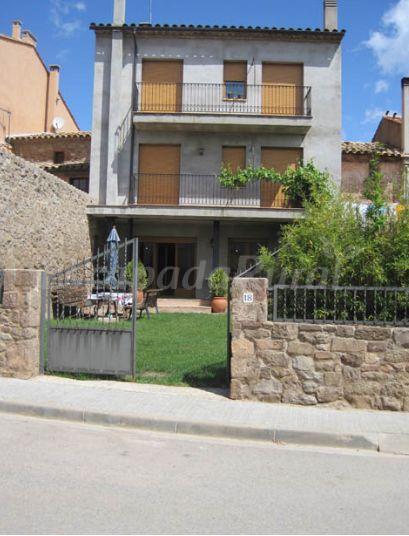 Cal sabata casa rural a l 39 estany barcelona - Casa rural economica barcelona ...