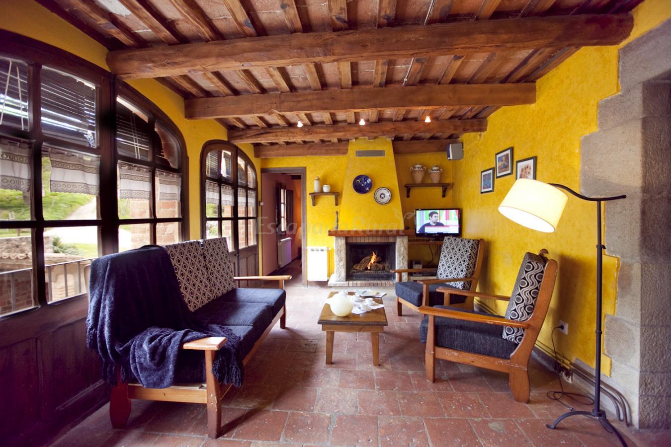 Fotos de casa vilanova casa rural en casserres barcelona - Casa rural economica barcelona ...