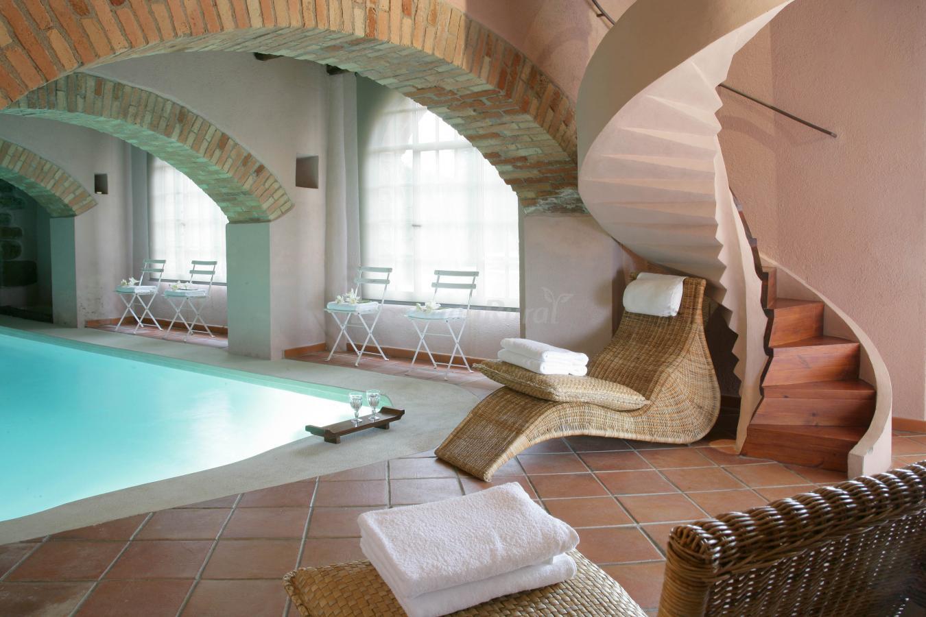 Fotos de el munt casa rural en castellter ol barcelona for Casa rural piscina climatizada interior