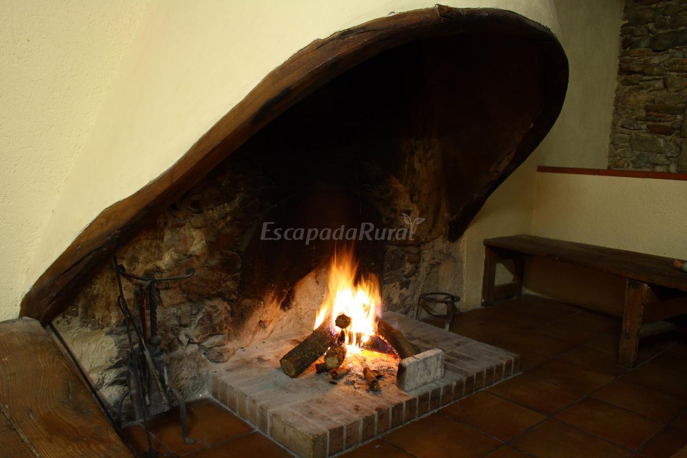 Fotos de torrecabota casa rural en calders barcelona - Chimeneas barcelona ...