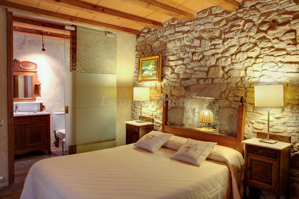 Fotos de la tor casa rural en montclar barcelona - Habitaciones de matrimonio rusticas ...
