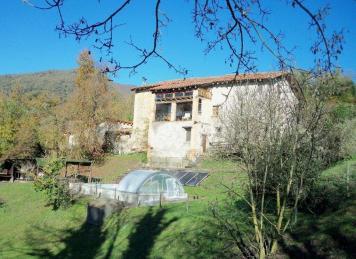 La pradella casa rural en sant pere de torell barcelona for Piscina de torello