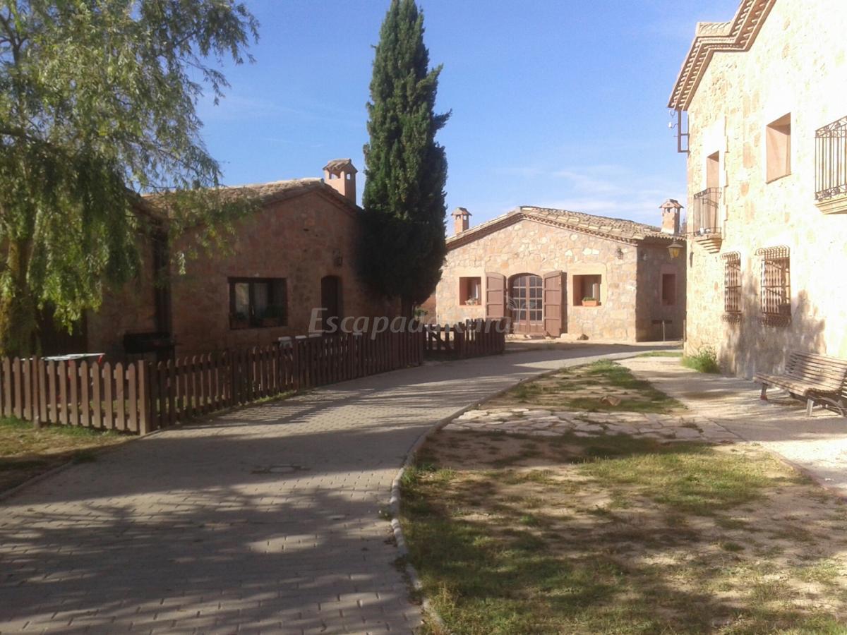 Fotos de l 39 aldea de la casa nova casa rural en els prats de rei barcelona - Casa rural economica barcelona ...