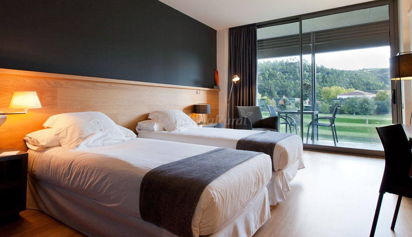 Fotos de hotel m n sant benet casa rural en sant fruit s for Habitacion barcelona