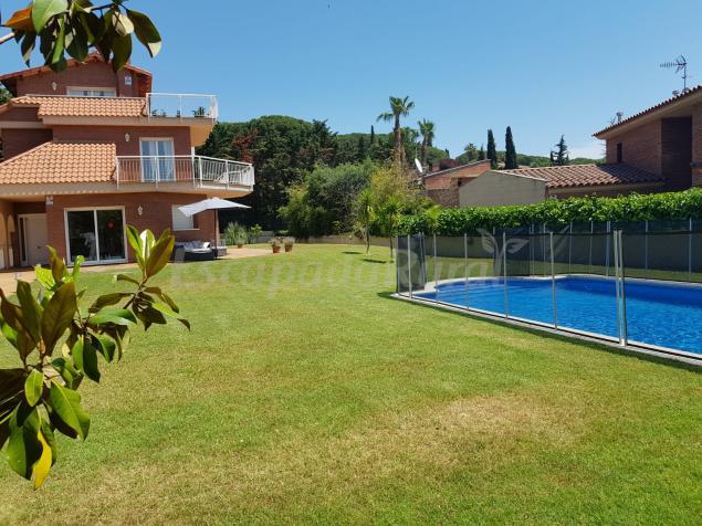 Villa Augusta Casa Rural En Sant Andreu De Llavaneres Barcelona
