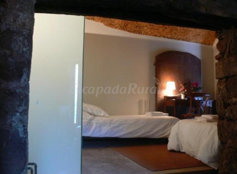 Fotos de can seuba casa rural en rellinars barcelona for Habitacion cuadruple barcelona
