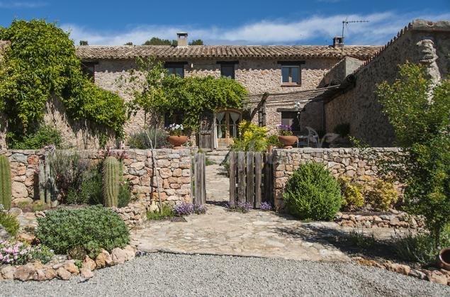 Masia rural cal petronilla casa rural a pontons barcelona - Casa rural economica barcelona ...