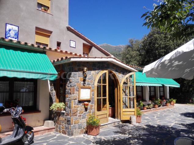 Hostal montserrat casa rural en montseny barcelona for Casa rural montseny