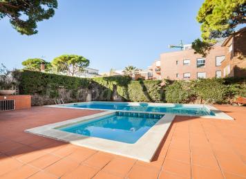 HHBCN Beach Apartment Castelldefels 2