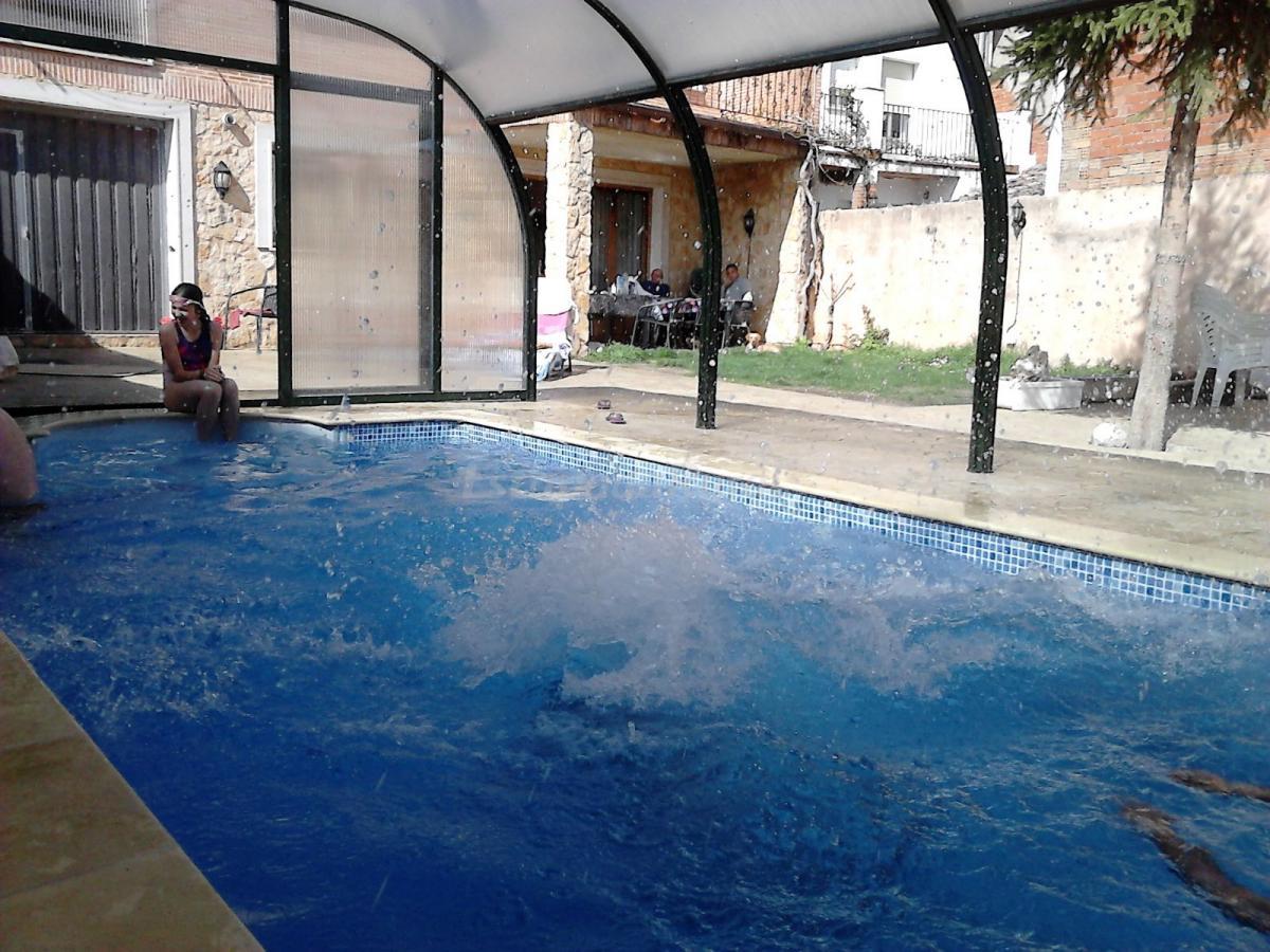 Fotos de casa rural los tulipanes casa rural en zazuar burgos - Casa rural con piscina cubierta ...
