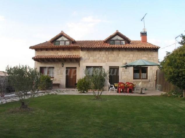 Camino de las hoces casa rural en milagros burgos - Casa rural riaza ...