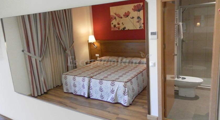 Fotos de hotel milagros rio riaza casa rural en milagros burgos - Casa rural riaza ...