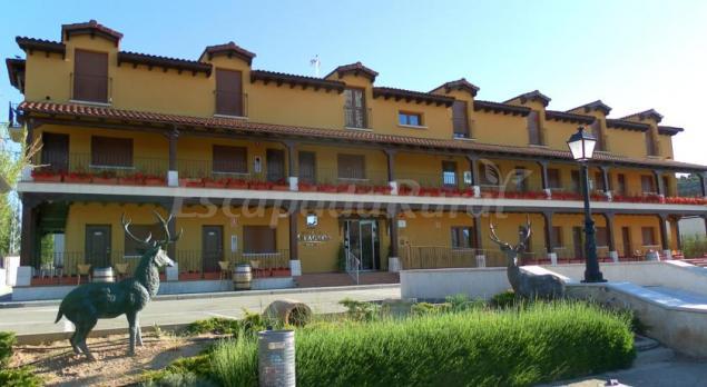 Hotel milagros rio riaza casa rural en milagros burgos - Casa rural riaza ...