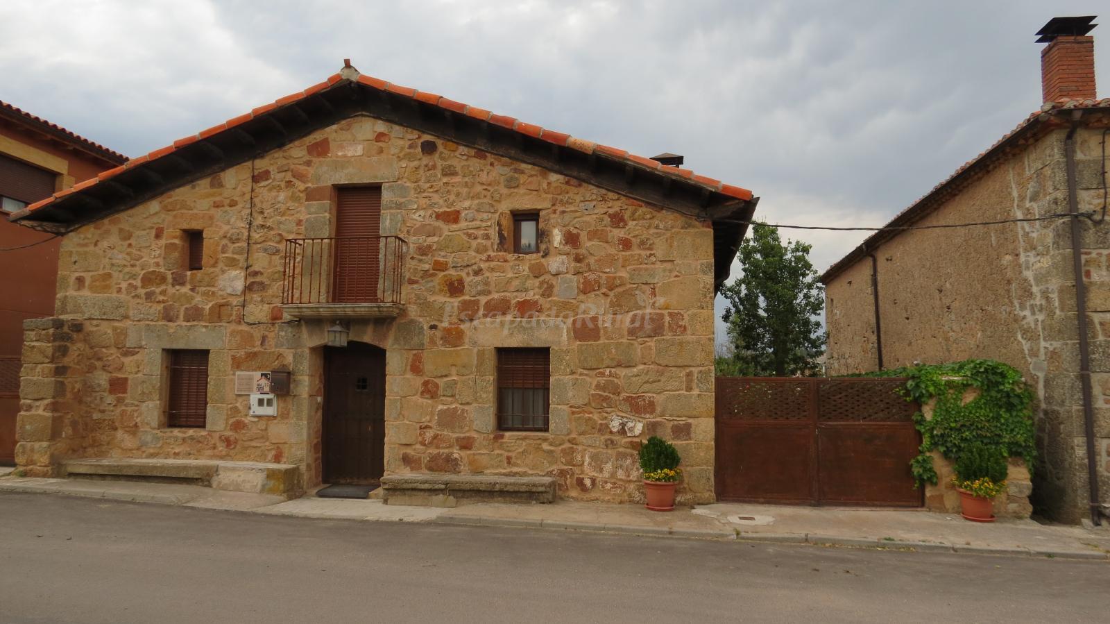 Fotos de la casa de piedra de la aldea casa rural en - La casa de las piedras ...
