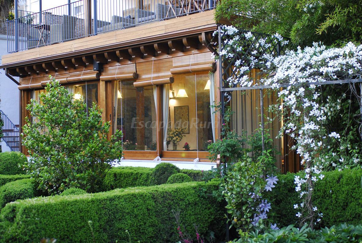 Fotos de el jard n del convento casa rural en herv s for Jardin del convento