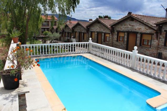 Apartamentos rurales posadas de granadilla casa rural en for Casas rurales en caceres con piscina