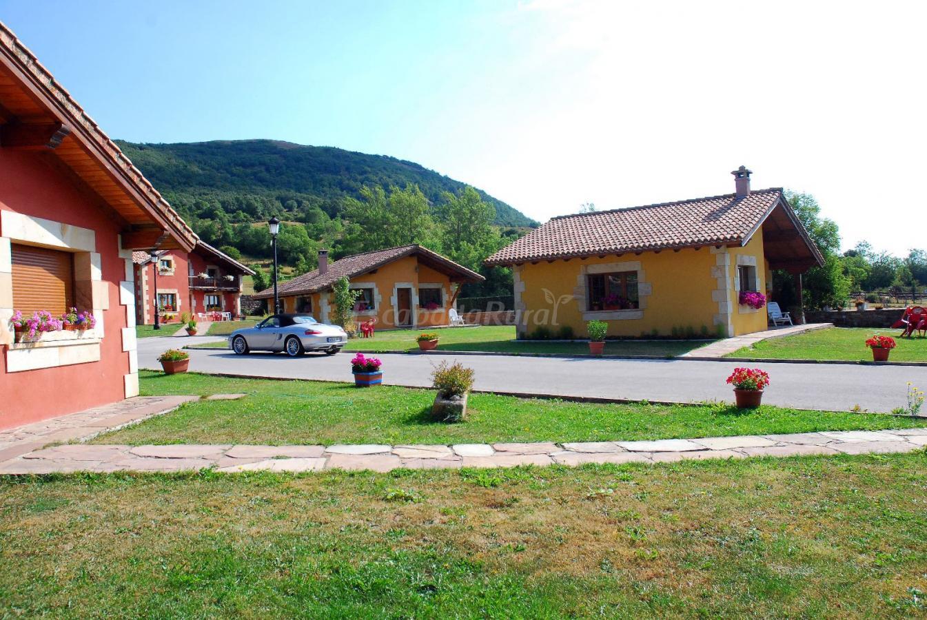 Fotos de casucas la guariza casa rural en fontibre for Casa rural con piscina climatizada cantabria