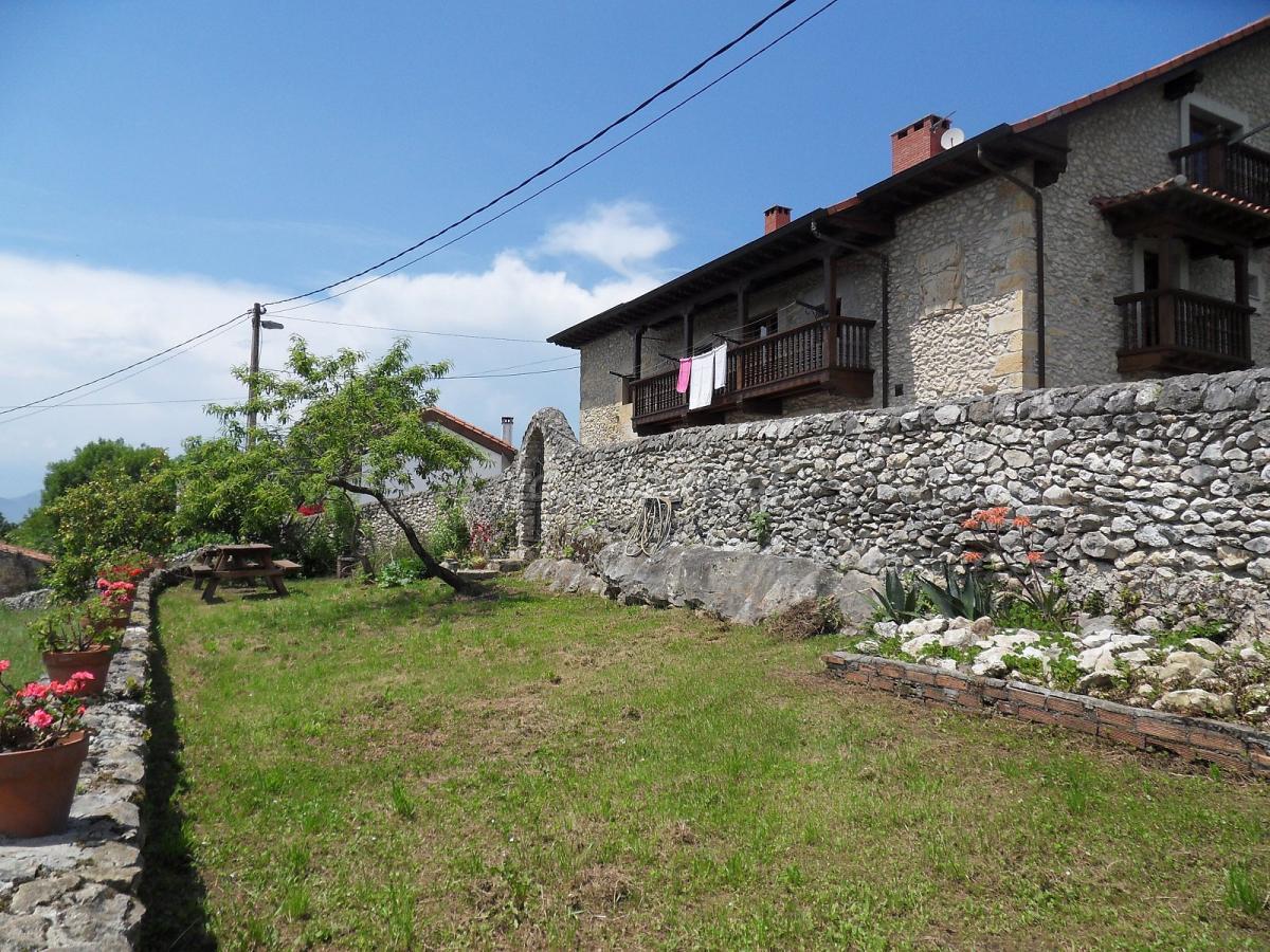 Fotos de la diligencia casa rural en serdio cantabria for Casa rural jardin oriental