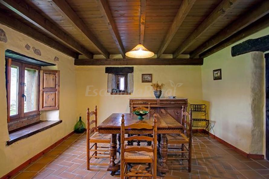 Fotos de primor as camijanes casa rural en camijanes for Modelos de techos para galerias