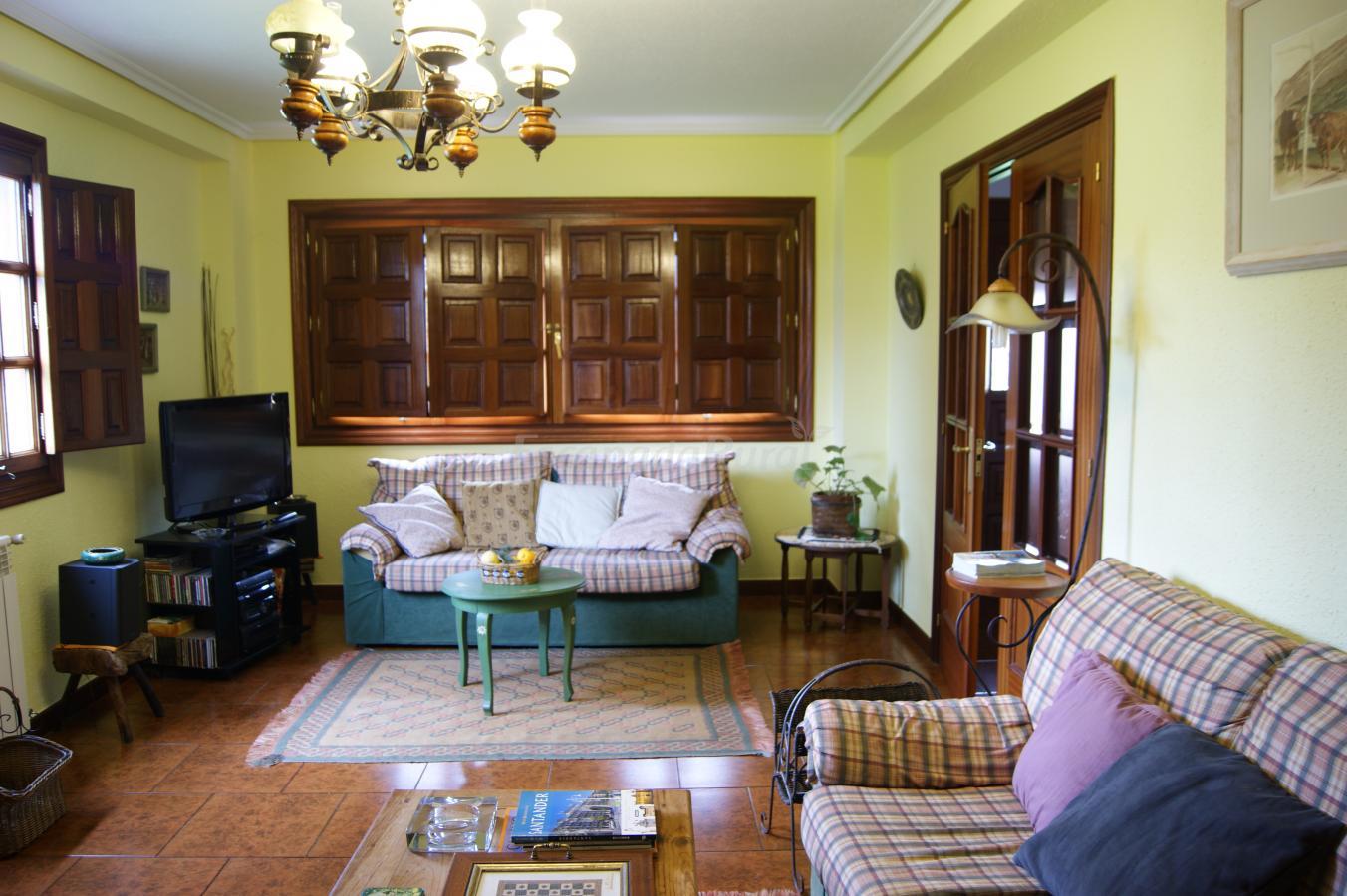 Fotos de casa monta esa casa rural en guarnizo cantabria - Casa montanesa ...