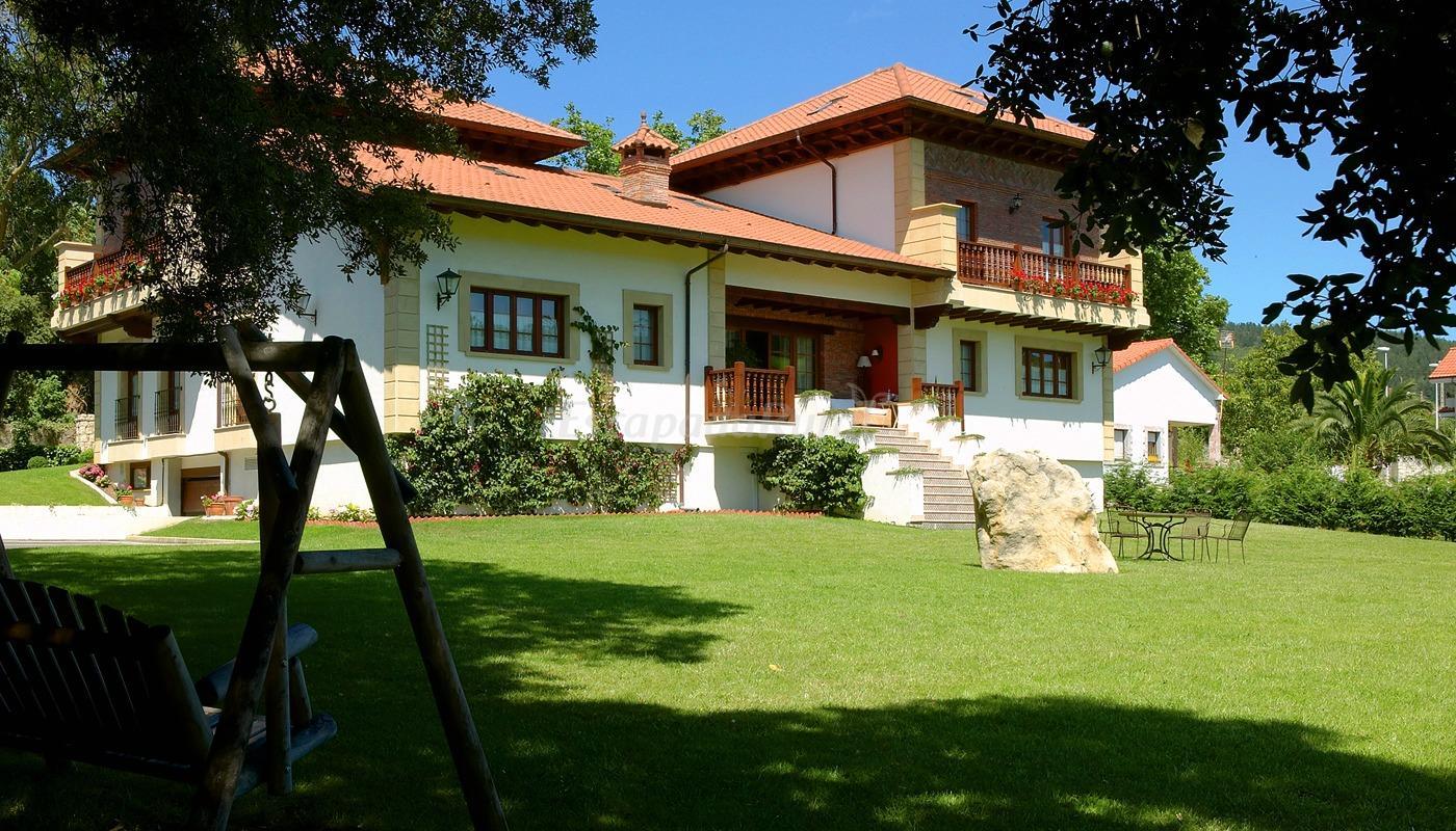 Fotos de hotel posada la robleda casa de campo emarnuero - Casas de campo en cantabria ...