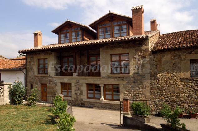 Apartamentos rurales pedredo casa rural en arenas de - Casas rurales cantabria baratas alquiler integro ...