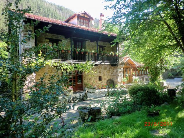 Casas rurales en b rcena mayor cantabria for Casas de alquiler baratas en sevilla y provincia