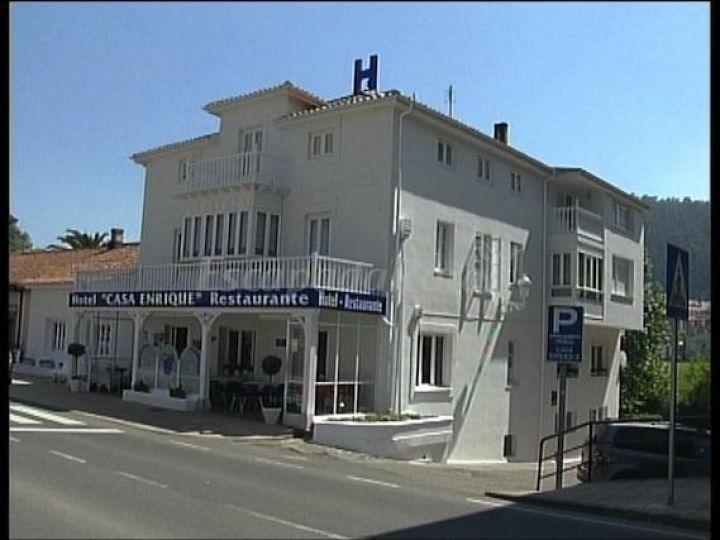 Fotos de hotel restaurante casa enrique casa rural en solares cantabria - Casa de cantabria en madrid restaurante ...