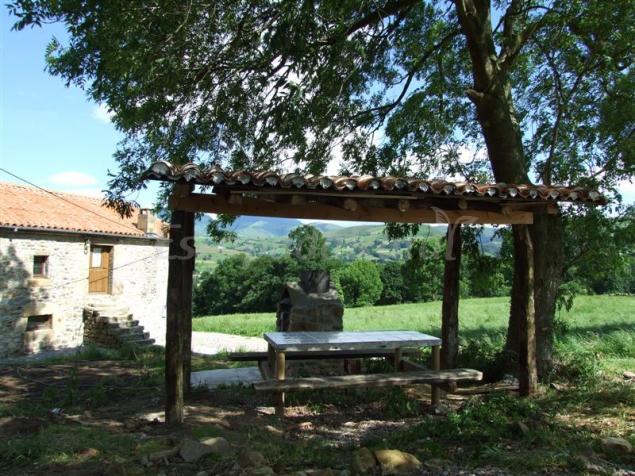 Vivienda Rural La Casa De La Pradera Casa Rural En Selaya Cantabria