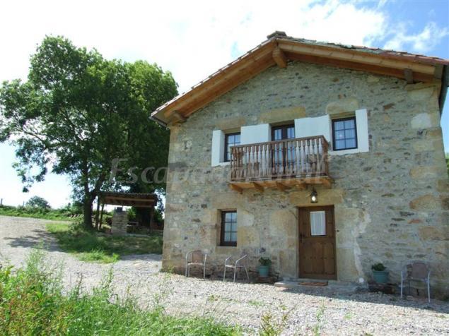 Vivienda Rural La Casa De La Pradera Casa Rural A Selaya Cantabria