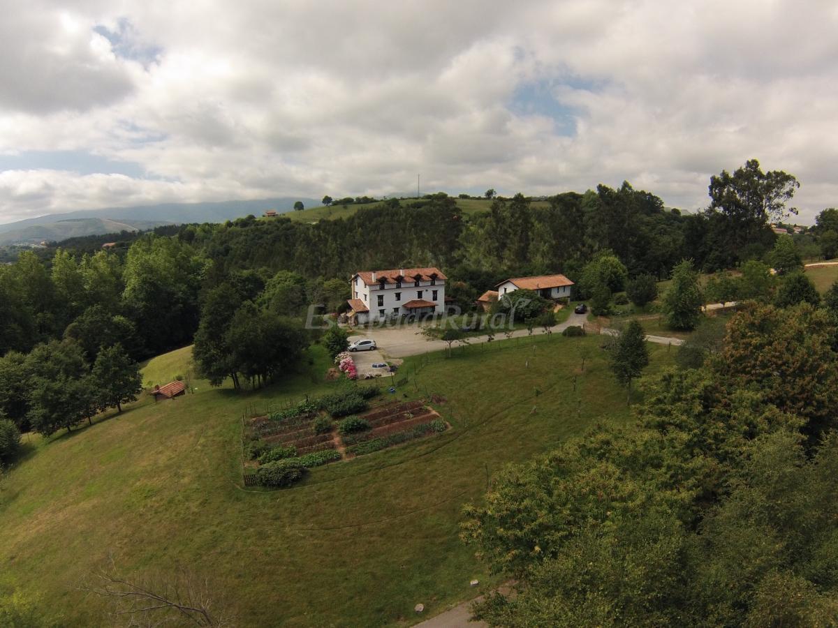Fotos de posada rural la charola casa de campo em - Casas de campo en cantabria ...