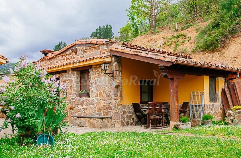 Fotos de alojamientos aravalle casa de campo emvi n - Casas de campo en cantabria ...