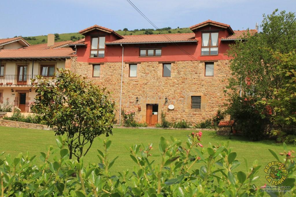 Fotos de albergue la torre casa de campo em santiurde de - Casas de campo en cantabria ...