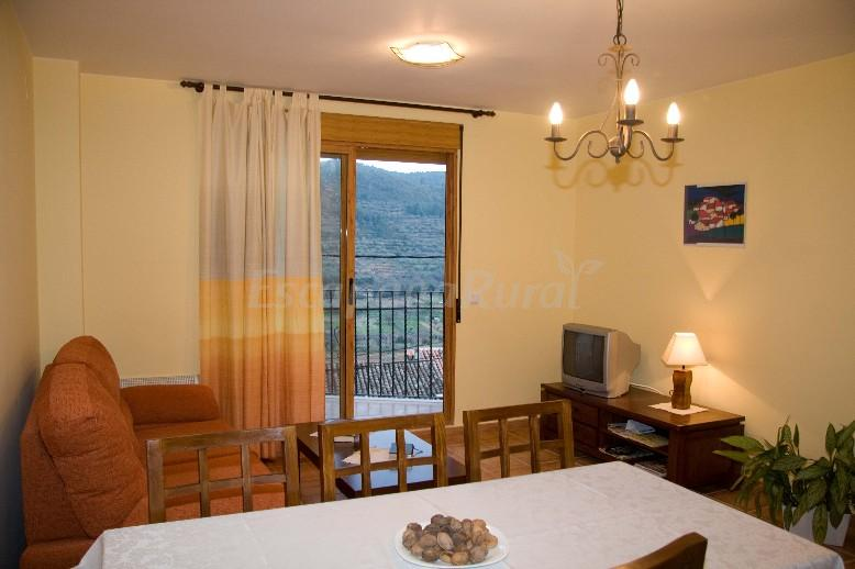 Fotos de apartamentos mirasierra casa rural en vall de almonacid castell n - Casa rural mirasierra ...