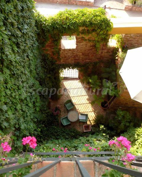 Fotos de jard n vertical casa rural en vilafam s castell n for Jardin vertical castellon