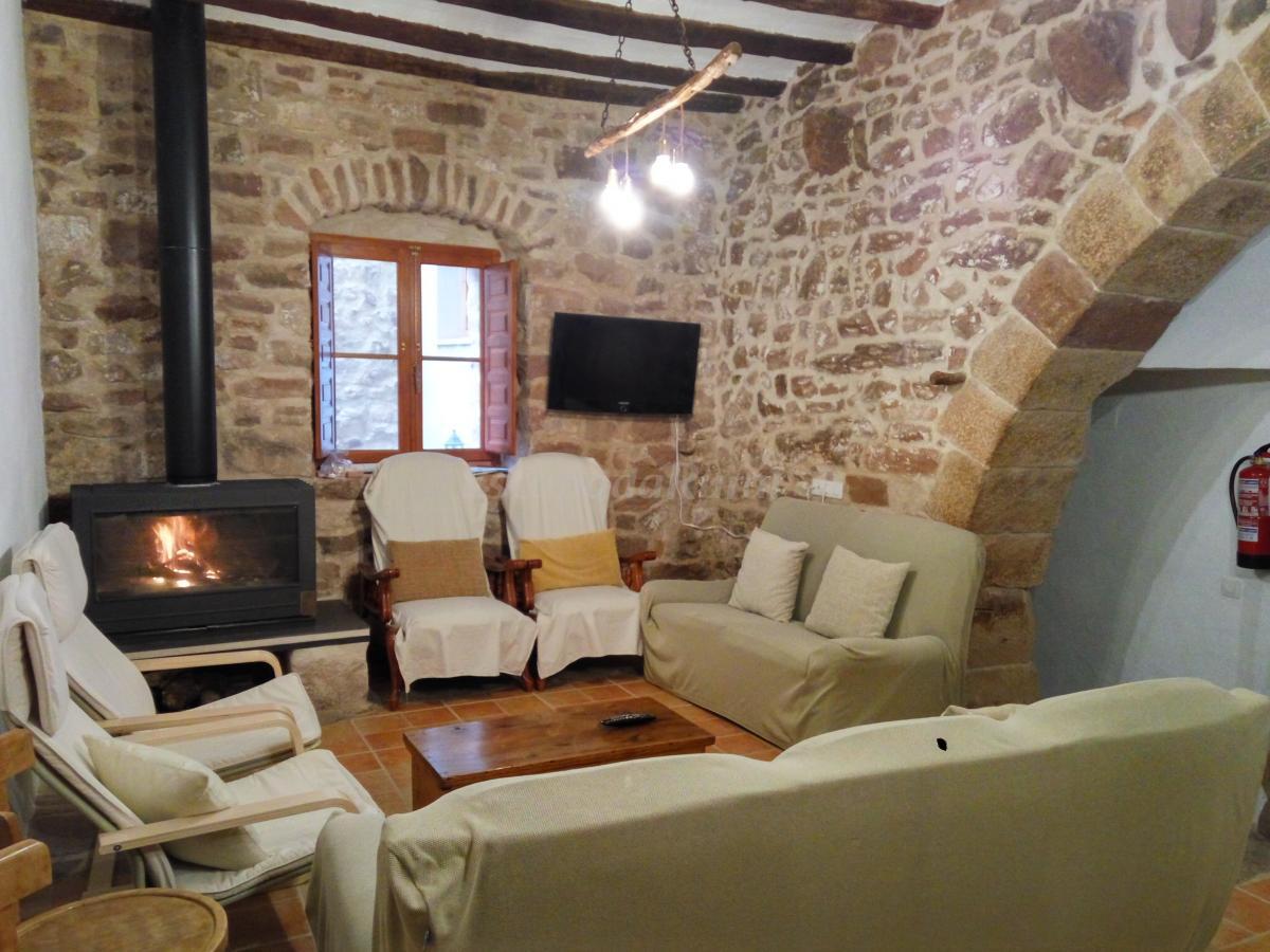 Fotos de l 39 arc trobat casa rural en vilafam s castell n - Mas trobat casa rural ...